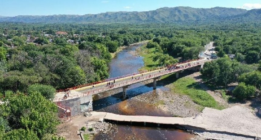 Schiaretti inauguró un puente en Cosquín