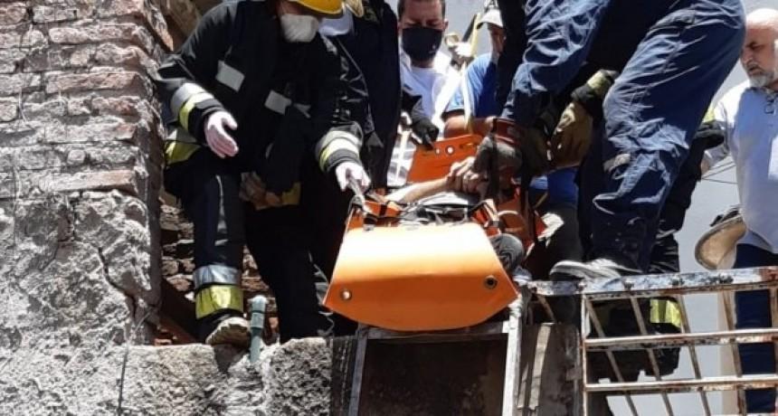 Trabajador cayó de un edificio y sufrió graves lesiones