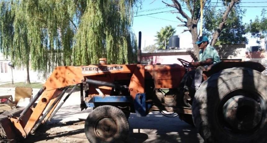 Barrio San Cayetano: vecinos contrataron un servicio para limpiar minibasurales