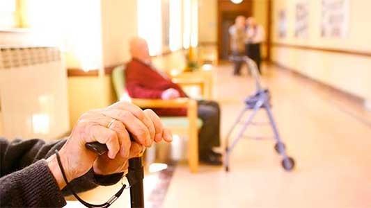 Covid-19: No se podrá visitar más a los abuelos en los geriátricos de Córdoba