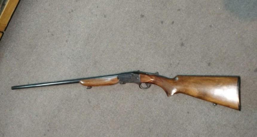 Personal policial descubre y secuestra un arma de fuego de una vivienda de Frontera