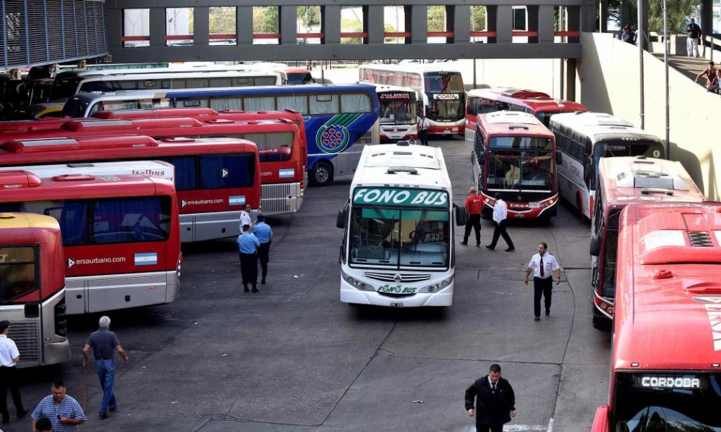El transporte interurbano podría volver a fines de la próxima semana