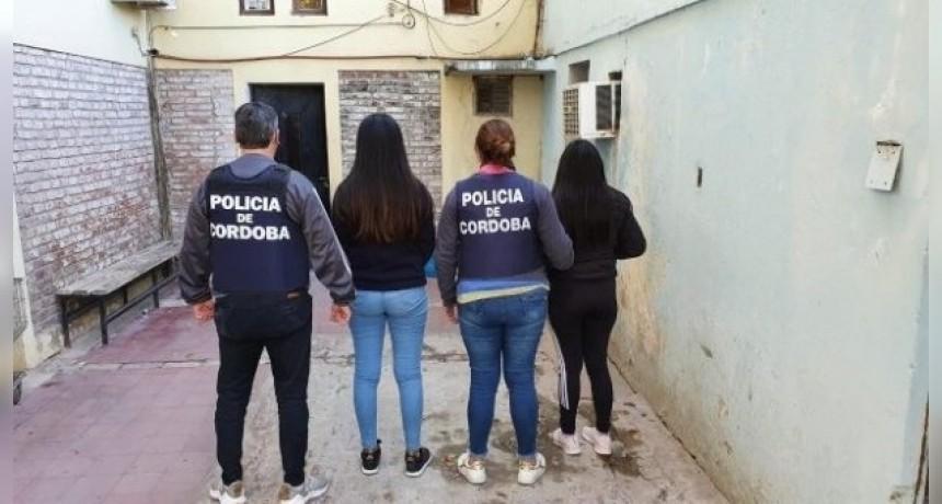 Se allanaron seis domicilios de la ciudad, y se detuvo a tres estafadoras