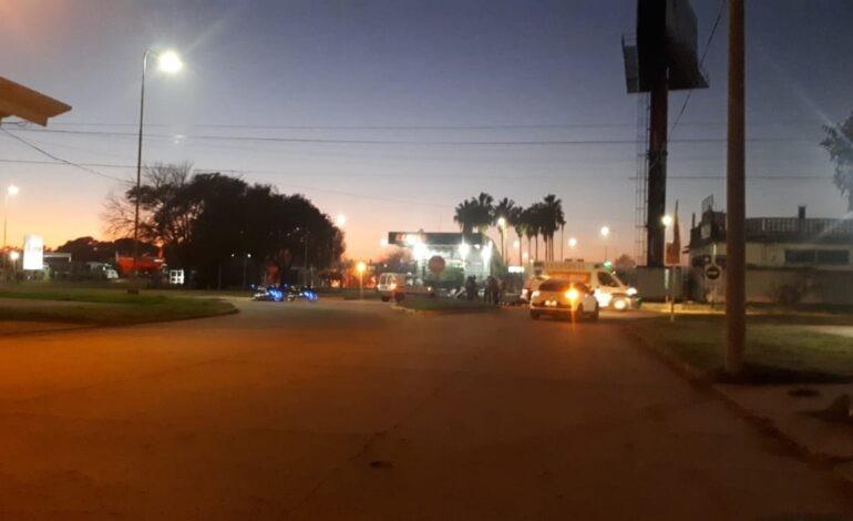 Accidente de tránsito en una rotonda de la ciudad
