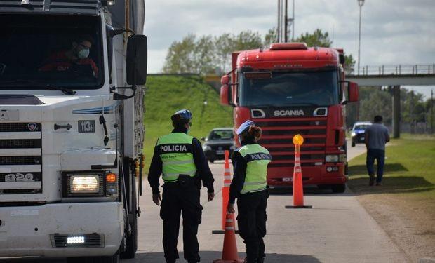 Unos camioneros quisieron coimear a la policía en la ruta 19