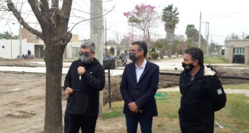 Entregaron fondos para la obra de cordón cuneta en Altos del Prado