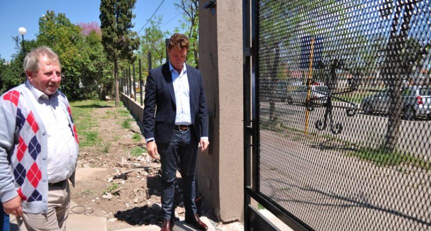 García Aresca entregó ayuda a la cooperadora del Hospital Iturraspe