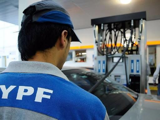 Nuevo aumento: YPF subió el 3,5% sus combustibles