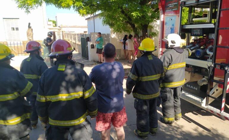 Incendio de vivienda en Fleming al 1200
