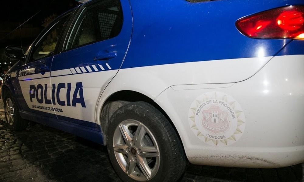 Automovilista atropelló a una moto y huyó: lo busca la Policía